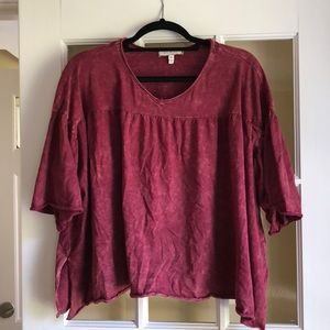 Funky Anthro Tee in a beautiful maroon color!